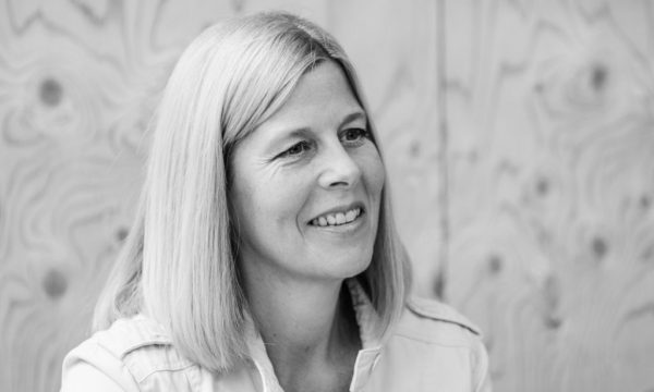 Mirjam van Tiel, jurylid van Nederlandse Toneeljury